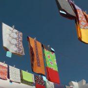 Les écharpes Léo Atlante sont fabriquées au Maroc à la main
